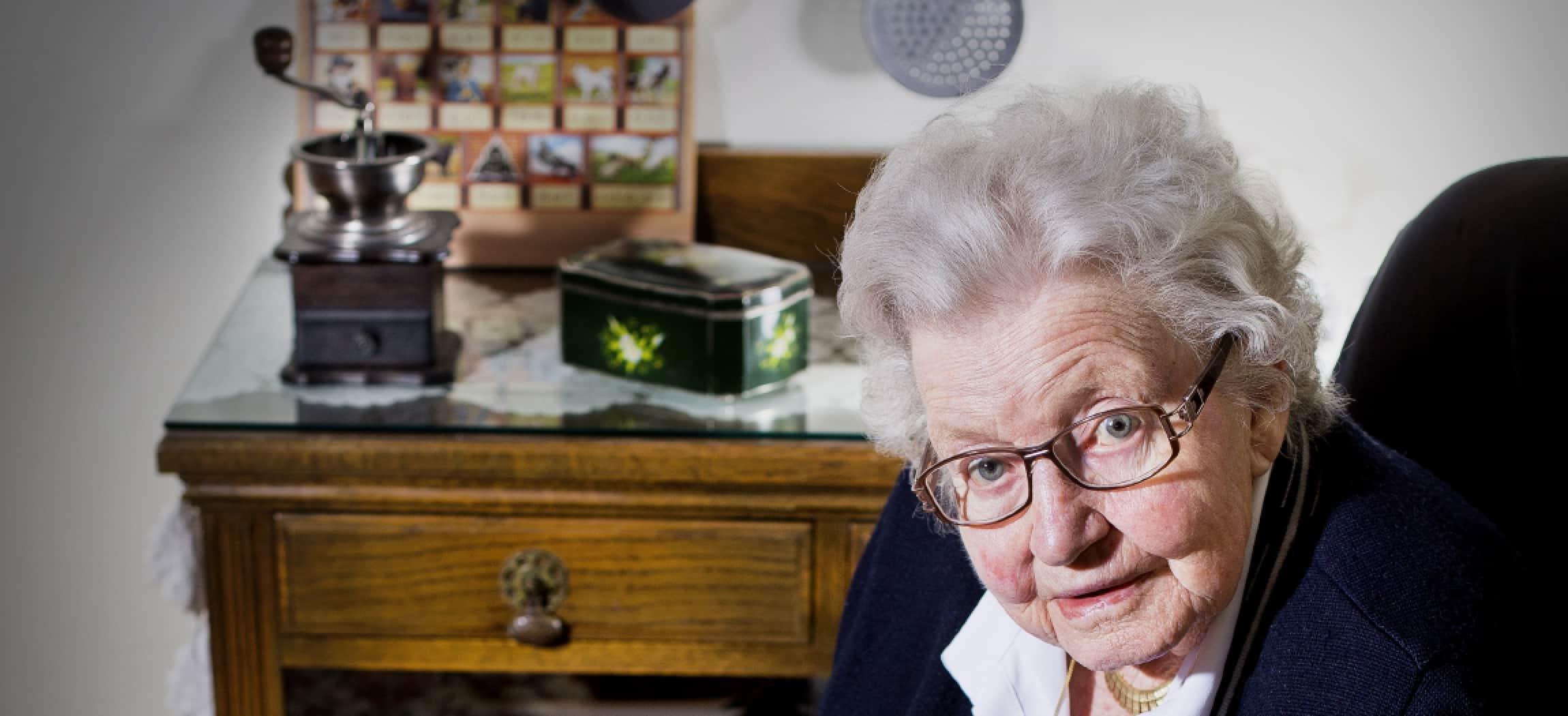 Mevrouw Jo (89) woont in woonzorgcentrum Groenelaan Amstelveen - uit de serie Mensen van Amstelring