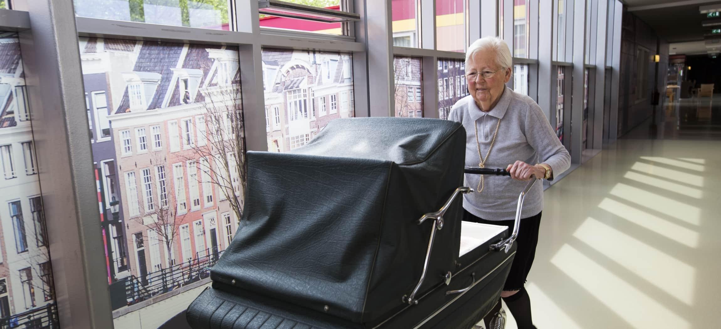 Belevingsgangen voor mensen met dementie in verpleeghuis Leo Polak Amsterdam Nieuw-West
