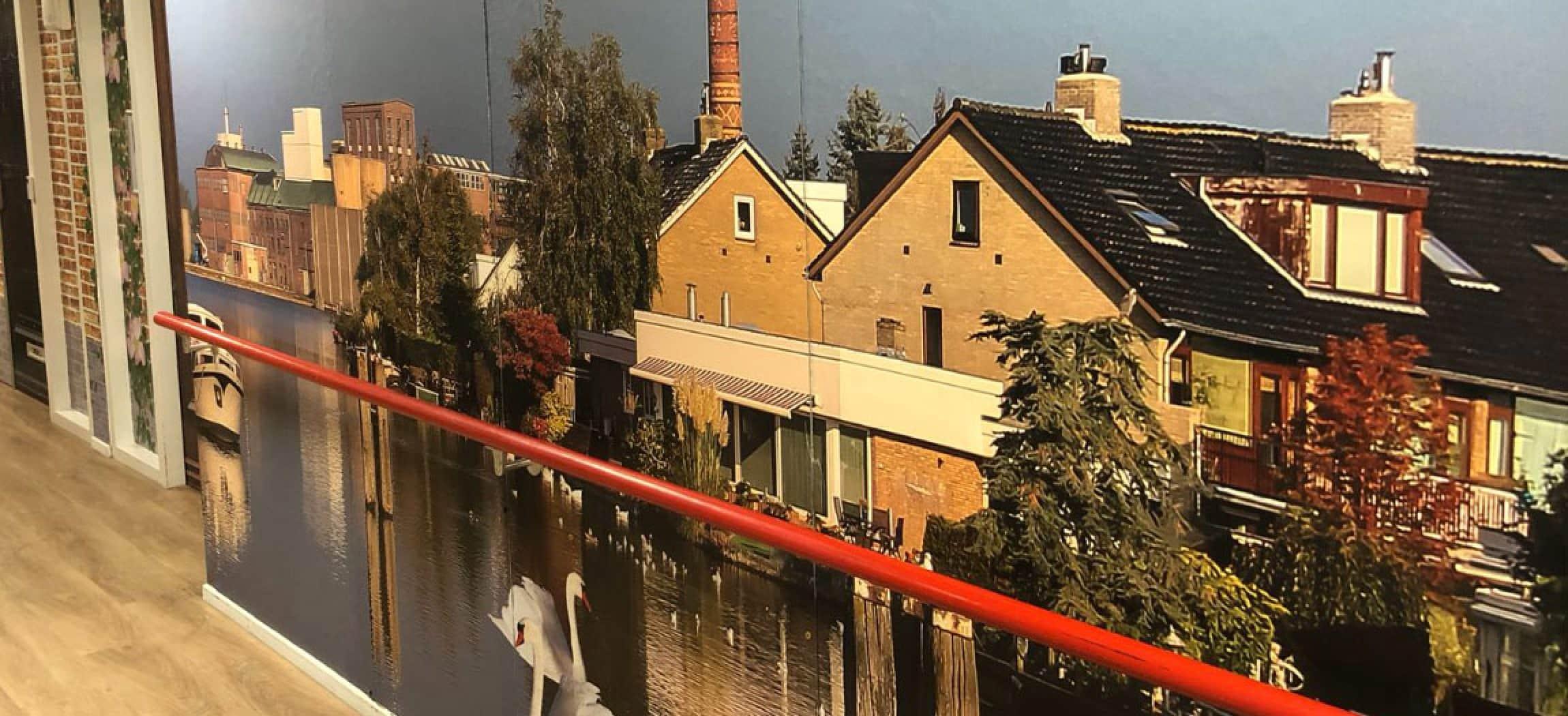 Belevingsgang in de woonzorgafdeling voor mensen met dementie in zorgcentrum Eigen Haard in Zwanenburg